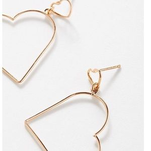 URBAN OUTFITTERS Simple Heart Drop Earrings NWT